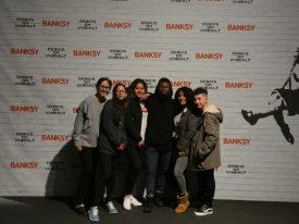 El Colectivo Tetuán-Ventilla visita una exposición sobre Banksy