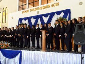 15 estudiantes becados por Fundación Tú Creas se gradúan en Guatemala